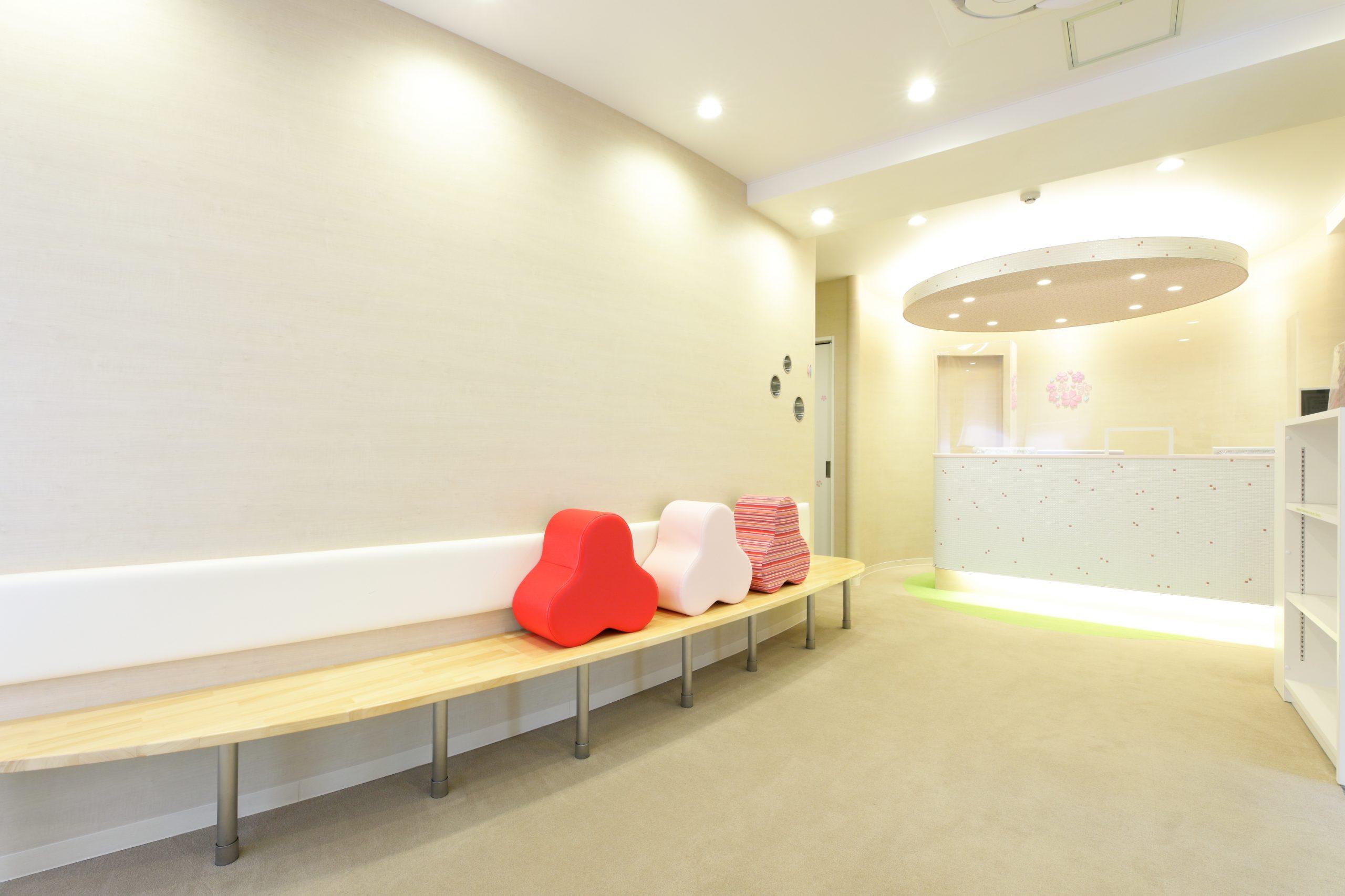 当院は待合室に床暖房を入れております
